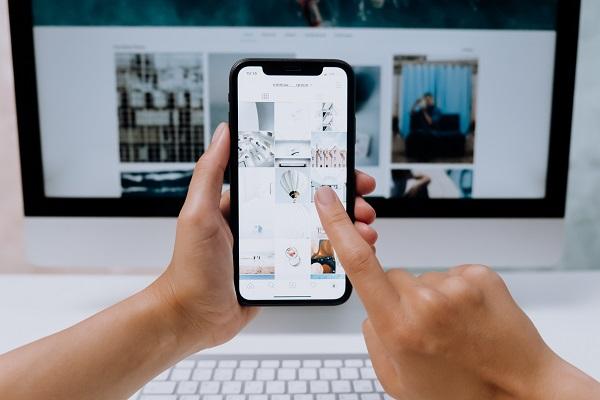 Come integrare Instagram Basic Display API in PHP 7 Crediti foto @cottonbro su Pexels.com